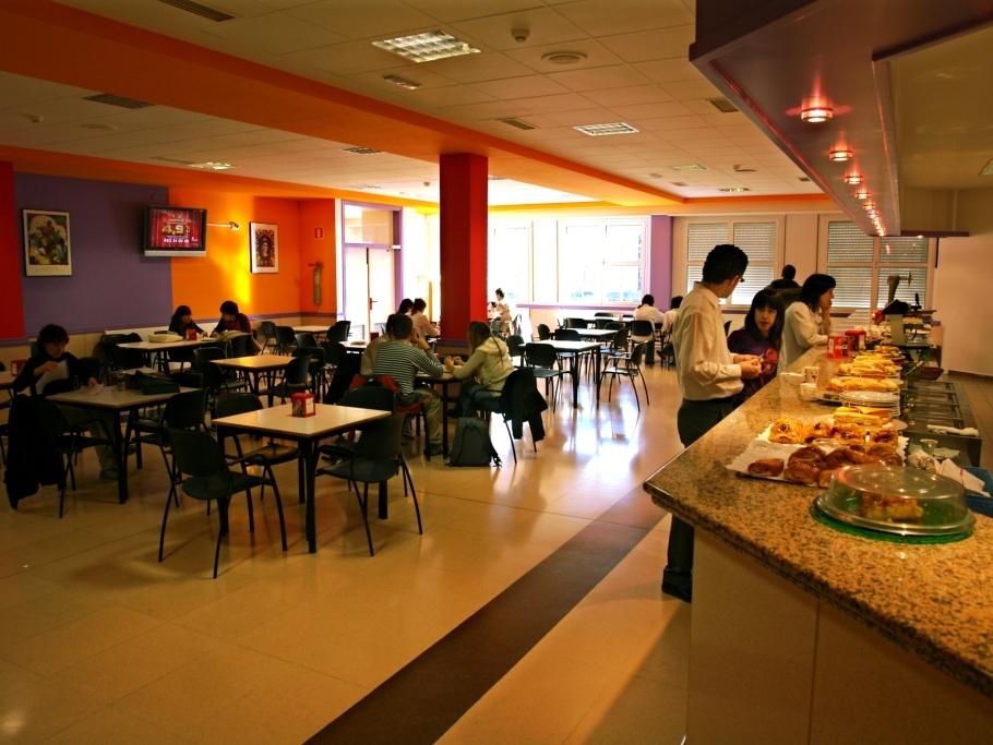 cafeteria - Instalaciones - Facultad de Farmacia - UPV/EHU